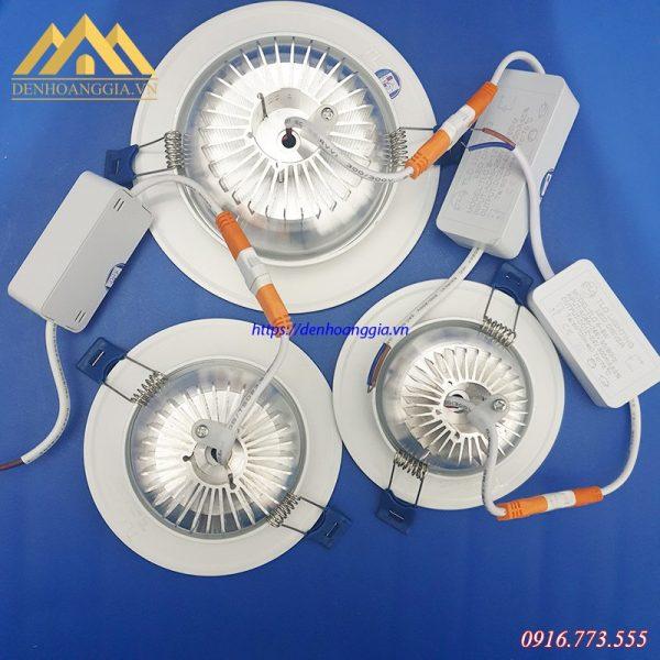Đèn led âm trần đế dày có thiết kế tản nhiệt dạng xẻ rãnh giúp tản nhiệt cực tốt