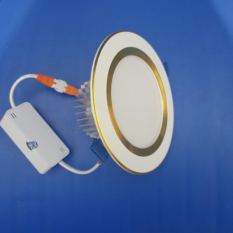 Mặt đèn led âm trần đế dày 5w viền vàng sử dụng kính chống chói