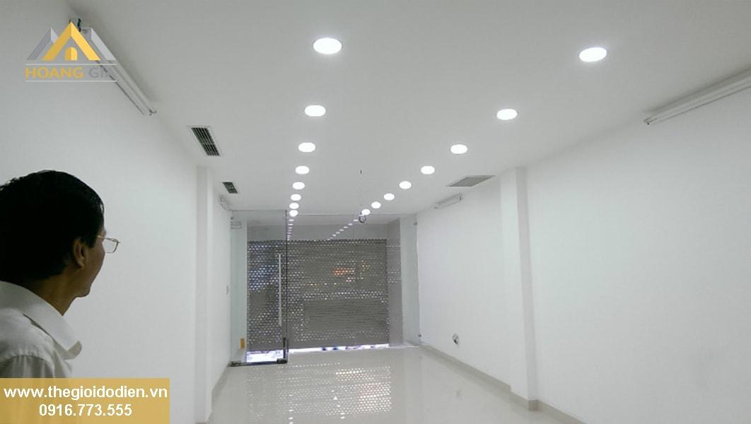Mua đèn trang trí trần nhà với các loại đèn led ốp trần mới nhất