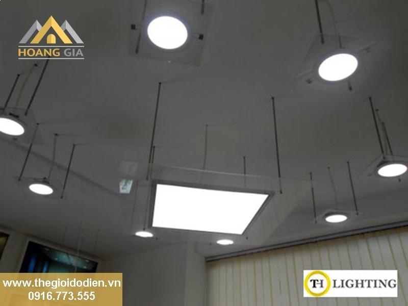 Sử dụng đèn led panel âm trần thạch cao để chiếu sáng
