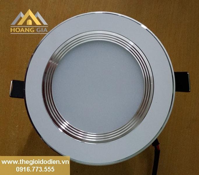 Chiếu sáng phòng bếp bằng đèn led âm trần loại nào tốt?