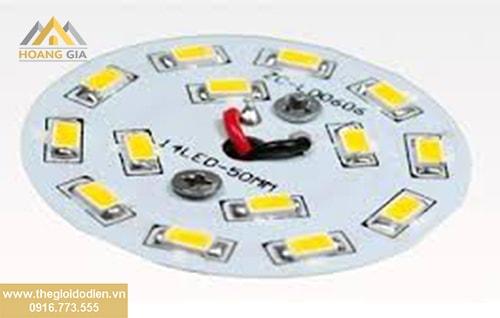 Làm sao để phân biệt đèn led cao cấp và đèn led giá rẻ?