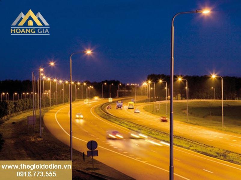 Sử dụng đèn led pha chiếu sáng đường phố loại nào tốt ?