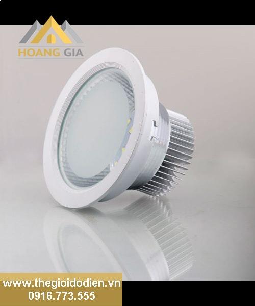 Mua đèn âm trần giá rẻ liệu chất lượng có tốt ?