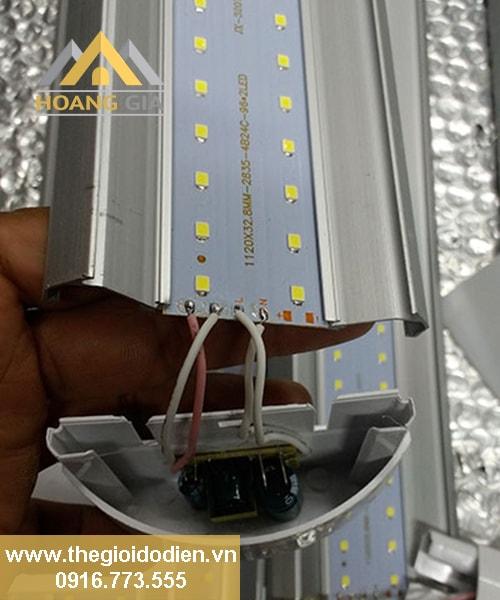 Đèn tuýp LED bán nguyệt