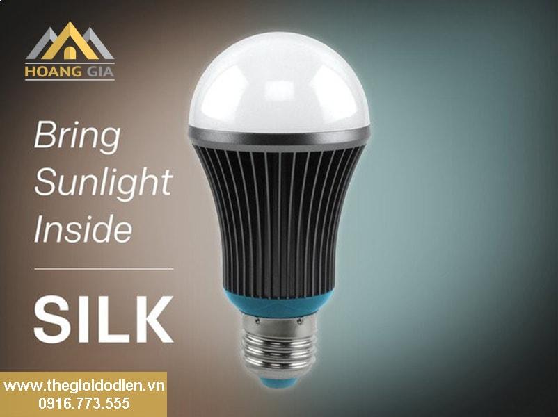 Đèn Led BÚP thông minh Silk Light hiểu nhịp điệu sinh học con người