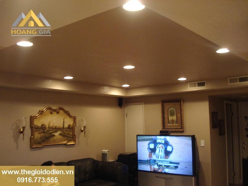 Lựa chọn đèn led ốp trần nổi cho phòng khách tại Hà Nội