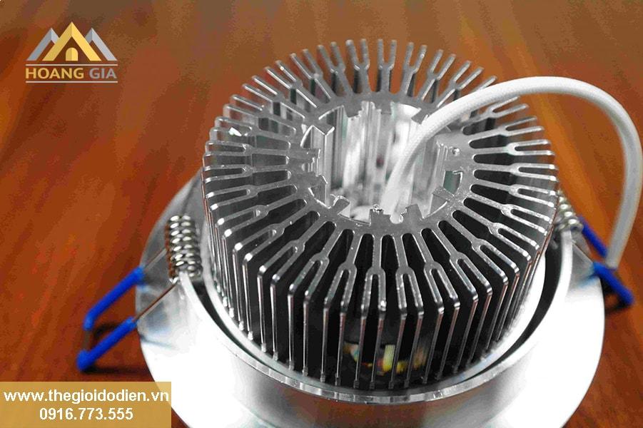 Nguyên lý tản nhiệt của đèn led âm trần đế dày, đế đúc nhôm cao cấp