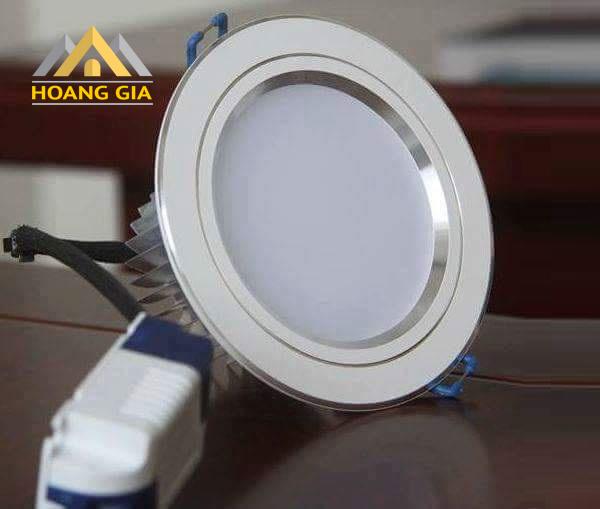 Đánh giá thị trường đèn LED âm trần siêu mỏng hiện nay