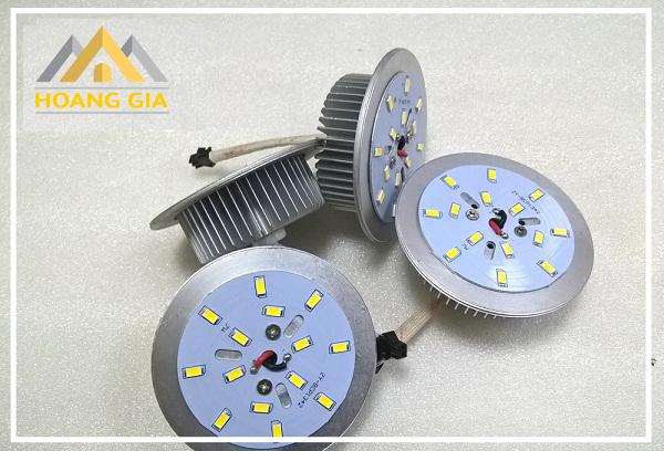 Kinh nghiệm lựa chọn đèn LED âm trần chính hãng