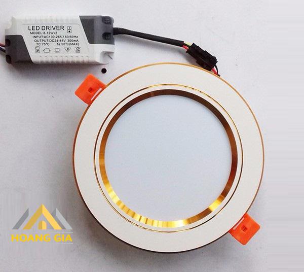 Vì sao bán đèn LED âm trần lại là một công việc đòi hỏi cao?