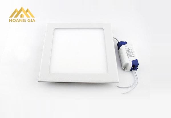 Đèn Led âm trần 36W có những ưu điểm gì?