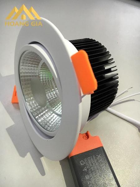 Đèn Led âm trần COB là gì? Đặc điểm của đèn Led âm trần COB là gì?