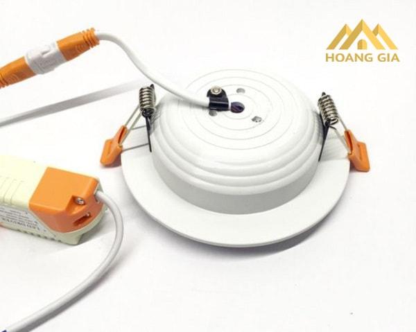 Tìm hiểu thông tin về loại đèn Led âm trần nhập khẩu