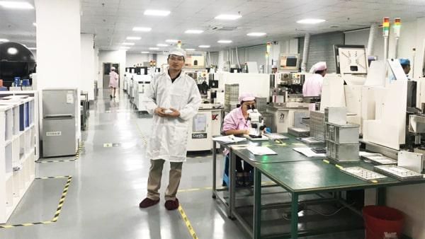 Nhà xưởng, khu công nghiệp có thể lắp đèn led âm trần dạng tấm Panel