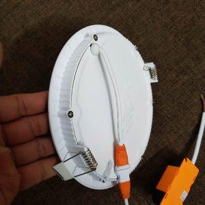 Tản nhiêt của đèn led âm trần siêu mỏng