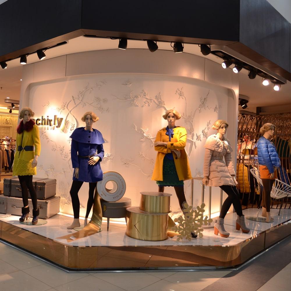 Ứng dụng của đèn spotlight cho showroom quần áo