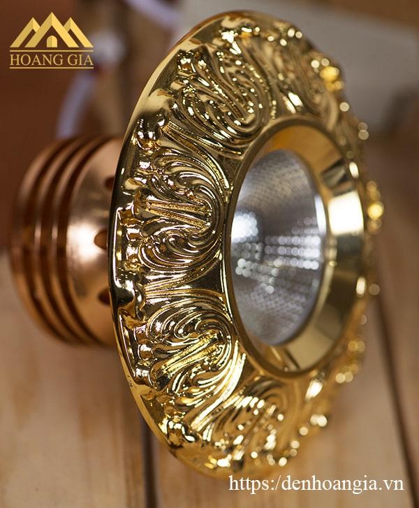 Đèn led âm trần cổ điển hoa văn mặt mạ vàng 18K cao cấp TLC