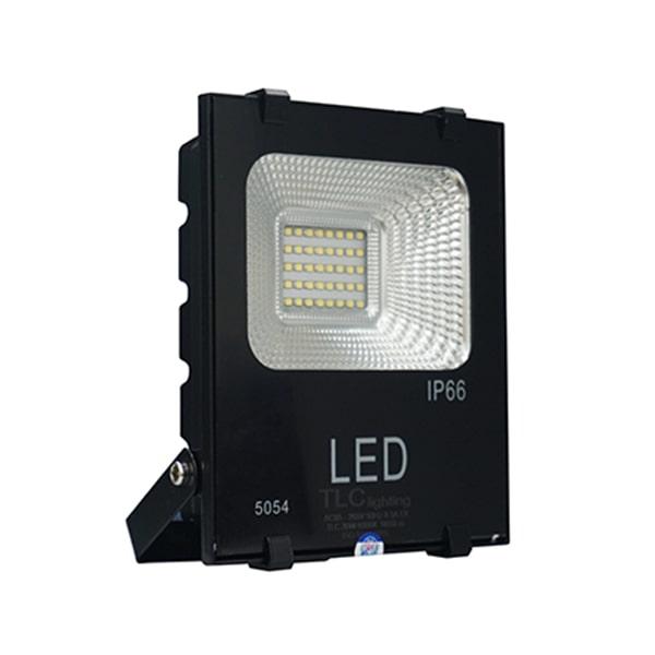 Giá đèn led pha giá rẻ TLC