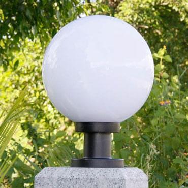 Vẻ đẹp của đèn trụ cổng tròn giúp ngôi nhà bạn bắt mắt và sang trọng