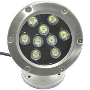 Bề mặt đèn led chiếu sáng dưới nước có một tấm kính cường lực có thể chịu được áp lực ở dưới nước