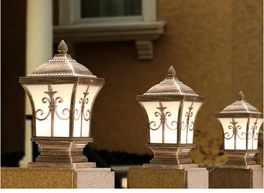Đèn trụ cổng được lắp đặt ở tường bao xung quang