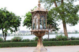 Đèn trụ cổng thiết kế theo phong cách tân cổ điển