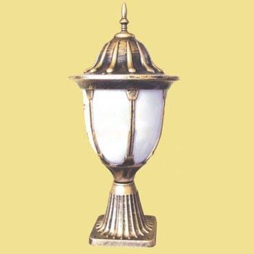 Đèn trụ cổng đẹp bằng đồng thiết kế theo phong cách Hoàng Gia
