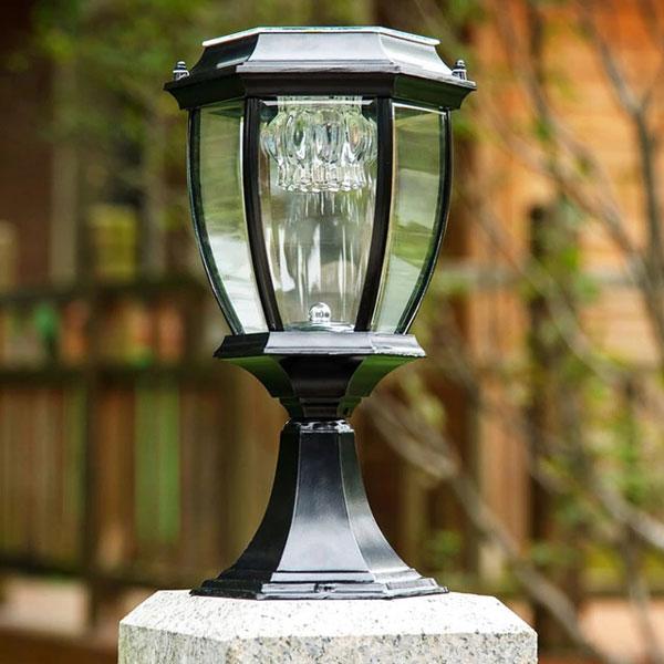 Đèn trụ cổng sân vườn có chất liệu bền, đẹp