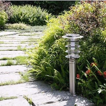 Đèn trụ sân vườn sử dụng năng lượng mặt trời giúp tiết kiệm điện cho người dùng