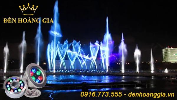 Đài phun nước nghệ thuật không thể thiếu đèn led trang trí với những màu ánh sáng bắt mắt