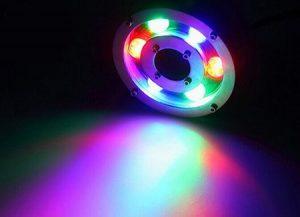 Đèn âm dưới nước dạng bánh xe cho ánh sáng tỏa lên trên rất hợp với những đài phun nước