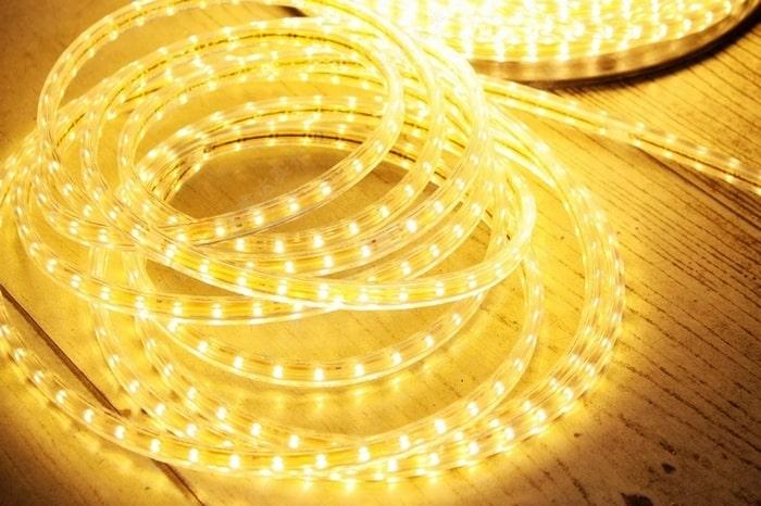 Đèn led dây có ống silicol bọc bên ngoài, đạt tiêu chuẩn IP 65 để sử dụng ngoài trời