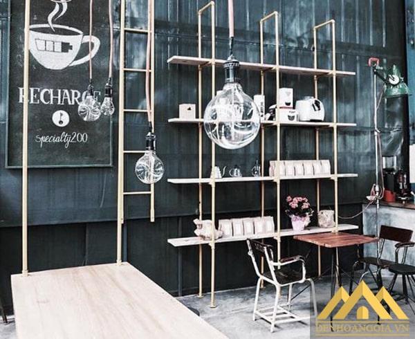 Quán cafe độc đáo từ phong cách thiết kế tới việc lựa chọn đèn thả trần