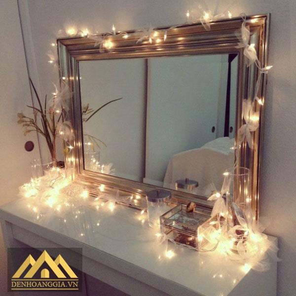 Trang trí phòng ngủ với đèn led gương
