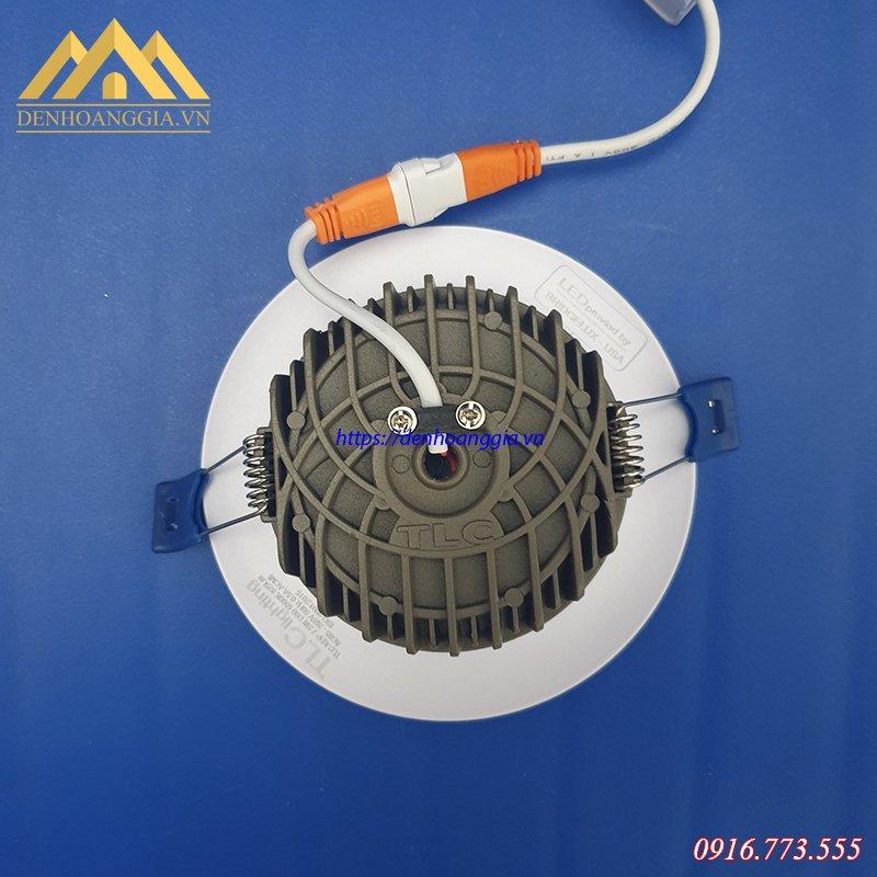 Đế tản nhiệt đa chiều của đèn led âm trần khối đúc plus