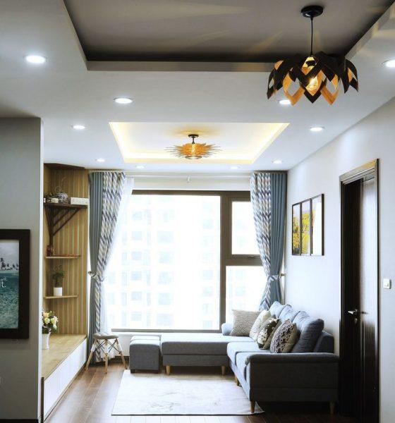 Phòng khách tiện nghi đầy đủ ánh sáng