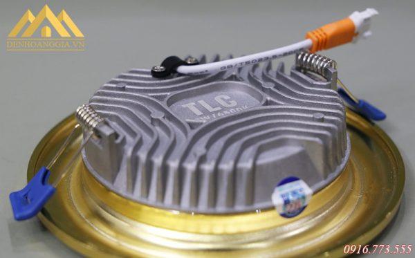 Đế tản nhiệt đa chiều của đèn led âm trần mặt cong Nano Gold