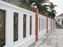 Tường bao xung quanh nhà cũng có thể sử dụng được đèn cổng hàng rào để trang trí