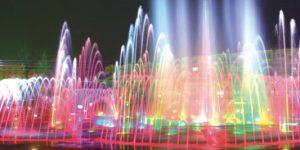 Nhạc nước thu hút được nhiều khán giả hơn nhờ có ánh sáng của đèn âm nước bánh xe