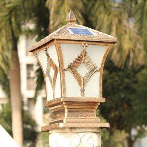 Đèn cổng hàng rào sử dụng năng lượng mặt trời để hoạt động