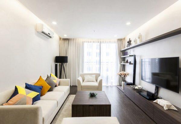 Phòng khách căn hộ chung cư dùng đèn led âm trần siêu mỏng
