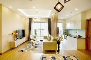 Phòng khách hiện đại với đèn led thả trần