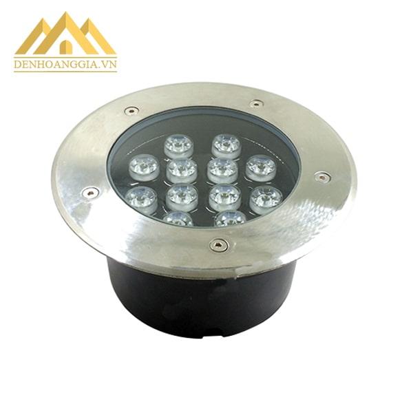 Bề mặt của đèn led âm đất 15w tròn thiết kế đạt chuẩn chống nước, bụi bẩn hoàn toàn