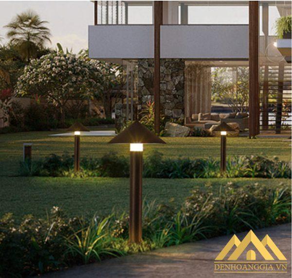 Đèn trụ sân vườn HGA-TSV42 lắp đặt trong những khu nghỉ dưỡng cuốn hút sự chú ý của du khách
