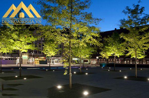 Khoảng cách lắp đặt đèn led âm sàn ở không gian ngoại thất phải căn cứ vào không gian, diện tích và nhu cầu ánh sáng