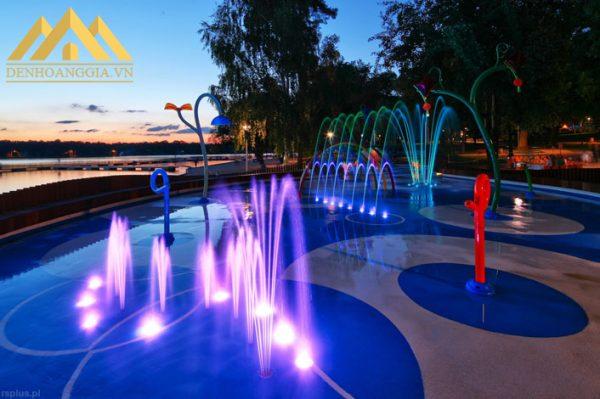 Ứng dụng đèn led âm nước Spotlight 6w dạng đế vào các công trình hồ bơi đế tạo điểm nhấn nổi bật