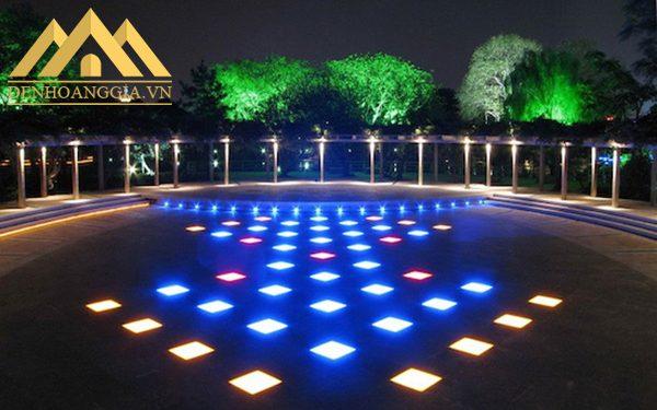 Đèn led âm đất 15w tròn đa dạng về màu sắc ánh sáng khách hàng dễ dàng thiết kế và sử dụng đèn để chiếu sáng