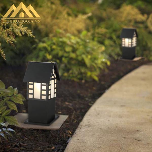 Lắp đèn trụ sân vườn HGA-TSV52 cho lối đi quanh sân vườn