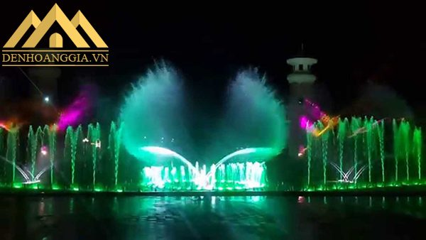 Đèn led âm nước bánh xe 6w cũng được lắp đặt trong các chương trình nghệ thuật như nhạc nước để thu hút người xem